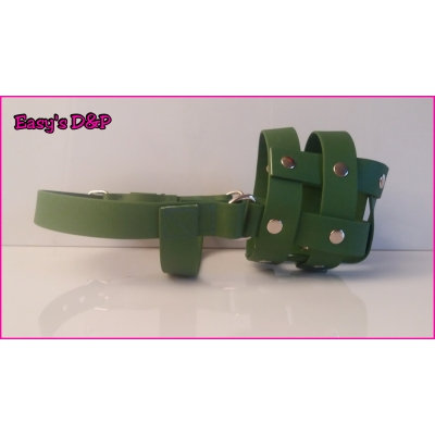 Muilkorf olijf groen PVC rubber